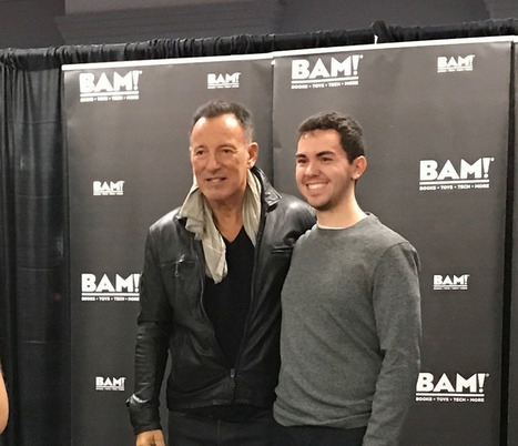 Rocker Bruce Springsteen Stops In Chicago As Part Of Book Tour - CBS Chicago | Bruce Springsteen | Scoop.it