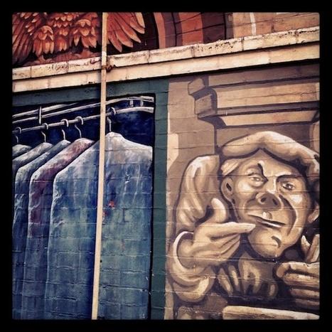 Street Art: New York Gargoyle Building Sings The Blues | Art! | Scoop.it