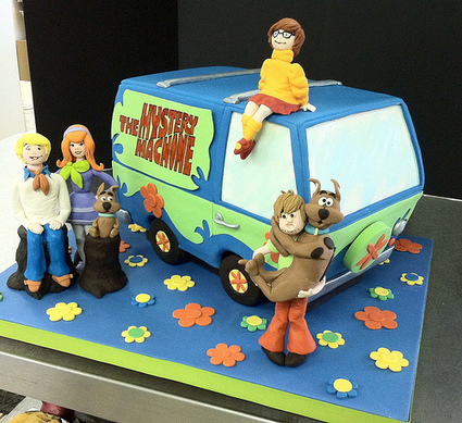 Cool Scooby Doo Birthday Cake And Cupcake Decorating Funny Birthday Cards Online Alyptdamsfinfo