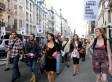 Les casseroles dans les rues de Londres (VIDÉO) | L'enseignement dans tous ses états. | Scoop.it
