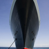 Interesting Photo of the Day: Queen Mary 2 and Her Captain   xposing world of Photography & Design   Scoop.it