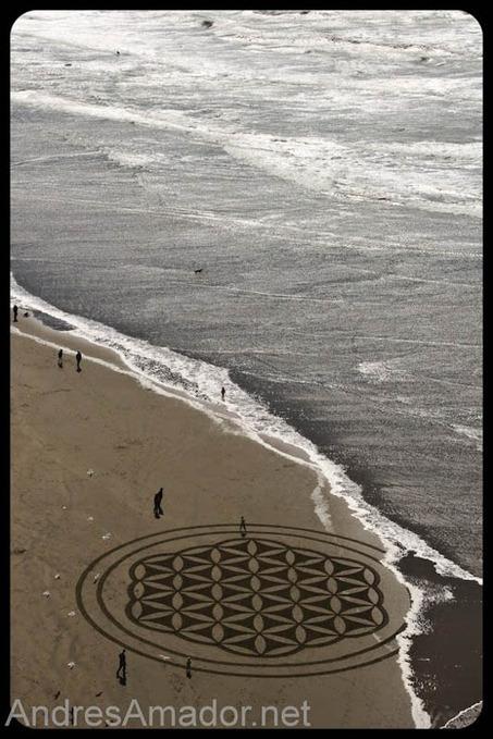 Obras de arte efêmeras na areia da praia - Metamorfose Digital | Estética da Mídia | Scoop.it