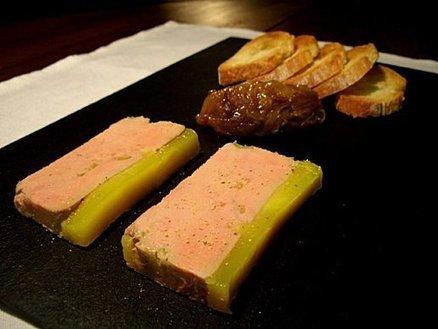 Foie gras au coteaux du Layon et compotée d'oignons aigre douce... | Accord Mets-Vins avec les vins de Loire | Scoop.it