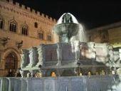 Perugia: Rissa in piazza IV Novembre - Uomo accoltellato al collo con un coccio di bottiglia - TUTTOGGI.info   TuttOggi.info   Scoop.it