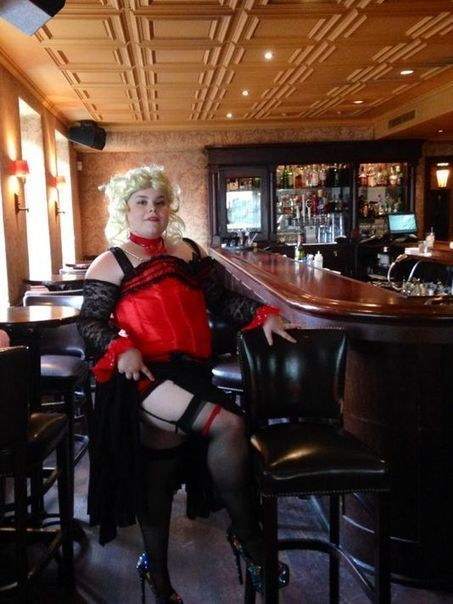 Tease of burlesque coyly walks stripping's fine line | Celebrating Fabulosity: Pinup to Burlesque! | Scoop.it