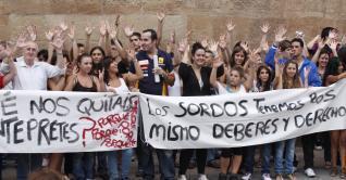 Progenitores de estudiantes con sordera exigen en la calle intérpretes | Cuidando... | Scoop.it