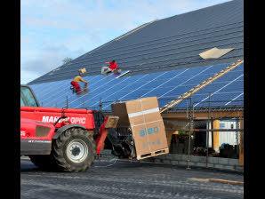 Pleyber-Christ (29). Energie solaire : un couvreur qui voit grand - Le Télégramme | Agr'energie | Scoop.it