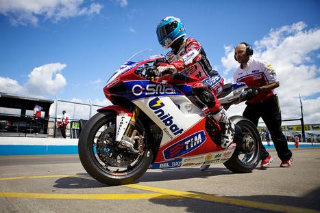 PhotosOfMotos | Carlos Checa, Althea Ducati | Flickr | Ductalk Ducati News | Scoop.it