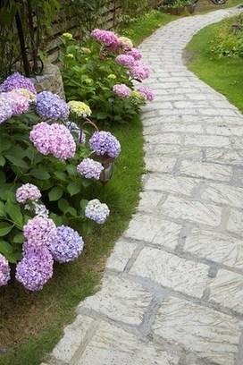 Réaliser une allée de jardin - Dessiner mon jardin | Deco-travaux.com - Le guide n°1 de vos projets | Côté Jardin | Scoop.it
