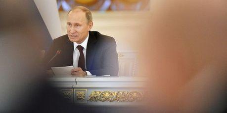 Poutine signe la loi interdisant les adoptions d'enfants russes par les Américains | La vie de la cité | Scoop.it