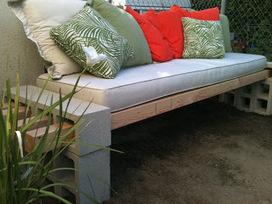 Cinder blocks become a garden bench | Mes évênements | Scoop.it