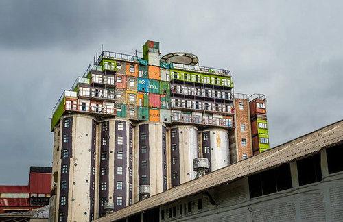 DRFU9k1i hZSRntt7Ie YDl72eJkfbmt4t8yenImKBXEejxNn4ZJNZ2ss5Ku7Cxt - mill junction silo stacked container apartments overlook johannesburg - designboom | architecture & design magazine