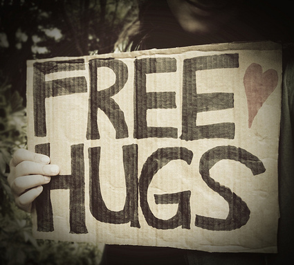 9 Reasons You Need To Be Giving and Receiving Hugs Everyday | Energy Health | Scoop.it