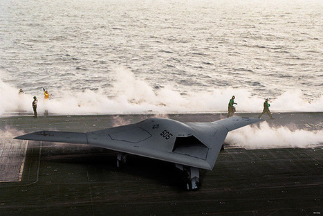 Le drone de combat X-47B a pris son envol depuis un porte-avions | Bots and Drones | Scoop.it