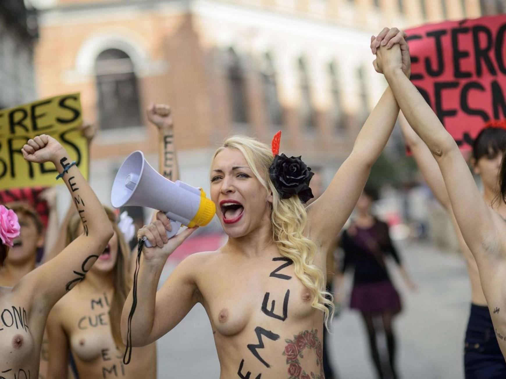 domination видео онлайн femen