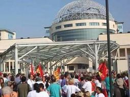 Hospital workers fight police in Milan | Trade unions and social activism | Scoop.it