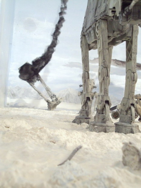 Guy Builds 140-Square Foot Diorama Of The Battle Of Hoth In His Living Room | The Blog's Revue by OlivierSC | Scoop.it