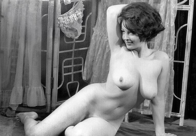 1950 classic big tits - 1 5