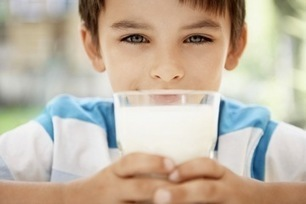 """Do Kids Really Need to Drink Milk? (""""taking a second look at milk - the good and the bad"""") 