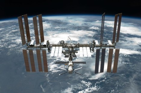"""NASA's """"Spot the Station"""" Will Text or Email You When the Space Station Passes Over Your Home 