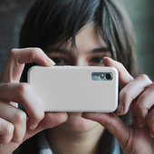 """Gizmodo Features Light Stalking article, """"7 Lessons You Can Learn from Shooting with a Camera Phone"""" 