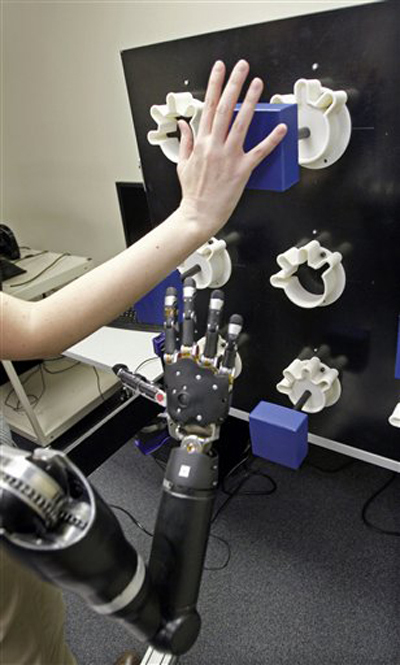 Photos of the Day: Mechanical Prosthetic Arm   Product Design and Development   Robotics Frontiers   Scoop.it