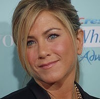 Jennifer Aniston Proves that It Takes Seconds to Stop a Bully | Bullying | Scoop.it