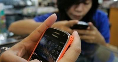 L'ansia che ci incatena ai cellulari  E voi potete vivere senza? | WEBOLUTION! | Scoop.it