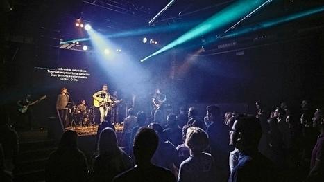 Ils prient Dieu dans une boîte de nuit | † Radio Prédication † - WebRadio Chrétienne | Scoop.it