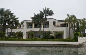 Seller of Nic Cage house took $13 million loss | Beach Living In The OC | Scoop.it