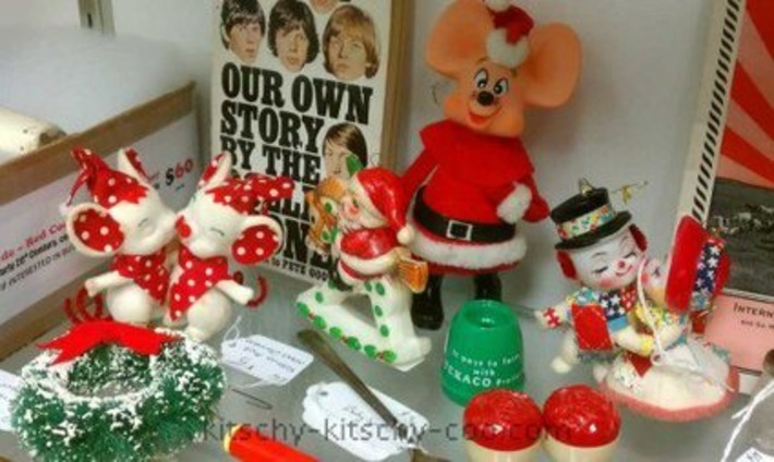 Kitschy Christmas Ornaments | Antiques & Vintage Collectibles | Scoop.it