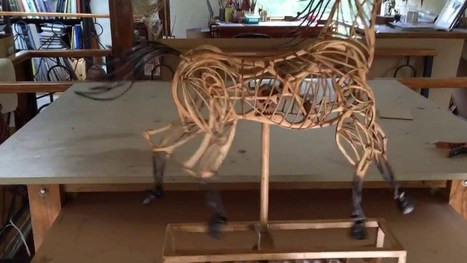 This Moving Wooden Horse Sculpture is Mesmerizing #ArtTuesday | Heron | Scoop.it