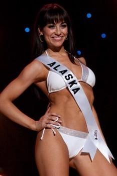 Melissa McKinney crowned Miss Alaska USA 2013 - Examiner.com | Alaska Special Interest News | Scoop.it