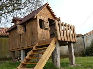 realisation d 39 une cabane en bois de palette sur. Black Bedroom Furniture Sets. Home Design Ideas