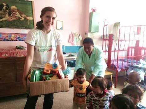 "Review Elizabeth R. Volunteer in Quito, Ecuador Child Care Center | ""#Volunteer Abroad Information: Volunteering, Airlines, Countries, Pictures, Cultures"" 