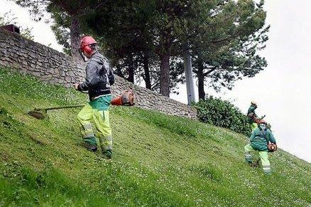 La Ville chasse les pesticides et les mauvaises herbes - L'indépendant.fr | pesticides : un vrai cancer social ? | Scoop.it