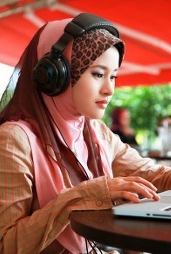 skype female online