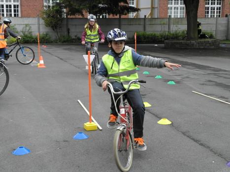 Douai : la conduite à vélo n'a plus de secret pour les écoliers de Painlevé-Thomas | RoBot cyclotourisme | Scoop.it