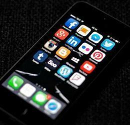 15 tools to help journalists navigate social media | Social Media and Journalists | Scoop.it