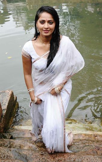 shetty nude wet saree Anushka in