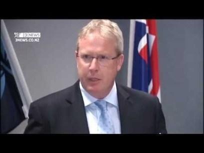 Video de Kim Dotcom y sus 3 socios al ser arrestados en la Corte de Auckland   VIM   Scoop.it