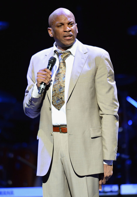 Gospel Music And Christianity Donnie Mcclurkin And Marriage Scoopit
