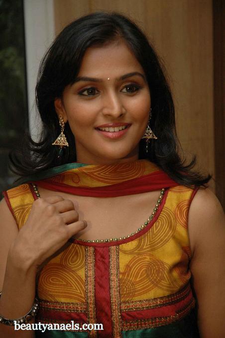 telugu movie actress naked pic