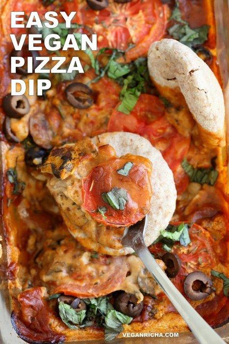 Vegan Pizza Dip with Vegan Mozzarella Cream & Herbed Mushrooms - Vegan Richa | Vegan Food | Scoop.it