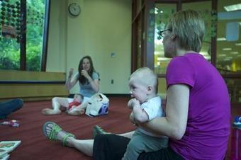 At Wellesley library, babies are learning sign language - Wicked Local | Teaching non-verbal students | Scoop.it