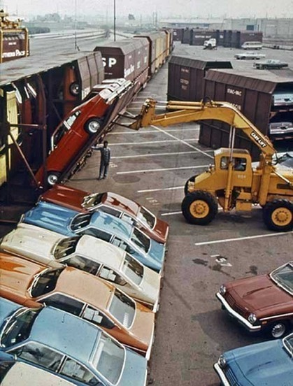 1971: Loading Chevrolets onto a train | Topics in History | Scoop.it