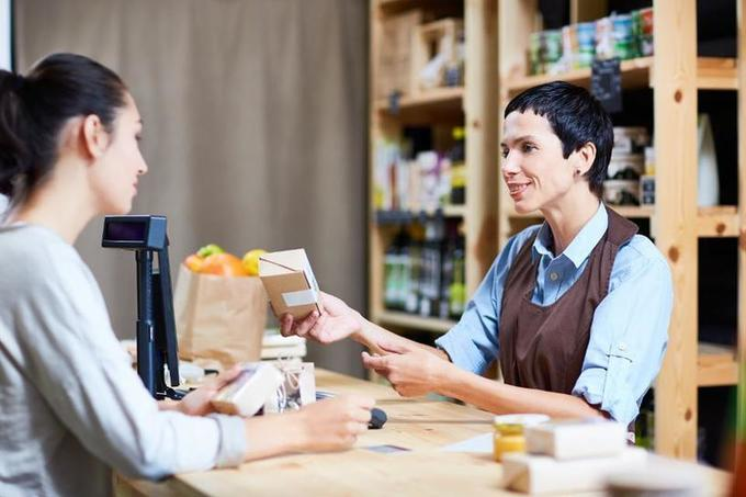 Five Signs That Stores (Not E-Commerce) Are The Future Of Retail