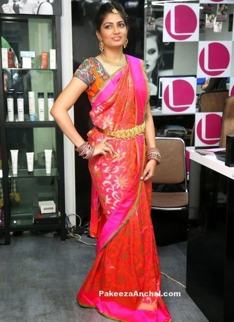 92100b77822 Akanksha in Bridal Wear Saree Dream Make up   Gold kamarband at Lakme Salon
