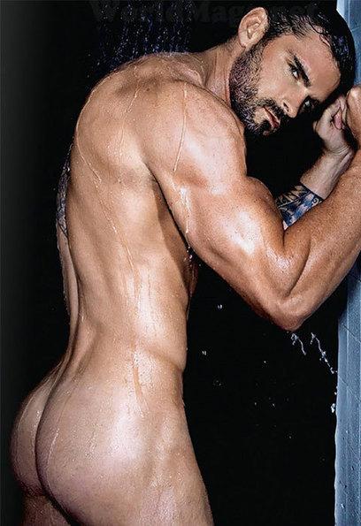 naked boys locker room gay