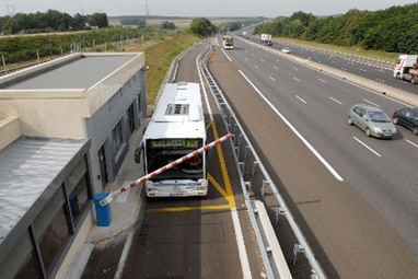 Et si on laissait les cars rouler sur les bandes d'arrêt d'urgence ? | great buzzness | Scoop.it